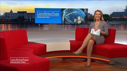 fernsehfrauen-high-heels-13